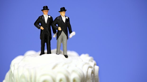 gay-wedding-cake