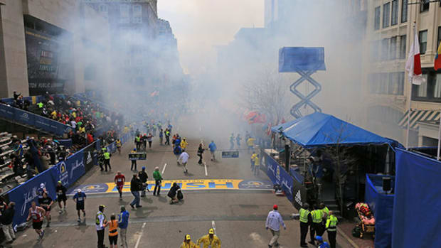 boston-marathon-smoke