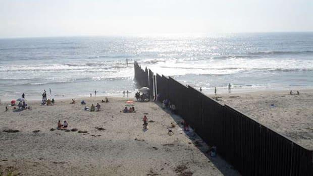 beach-mexico-border