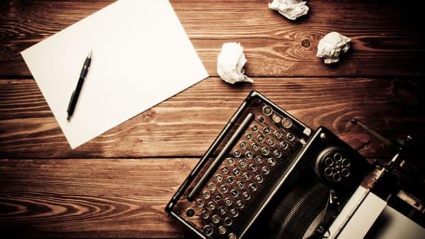 editors-letter-typewriter