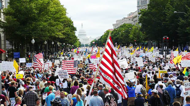 tea-party-dc-march