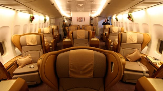 first-class-airplane