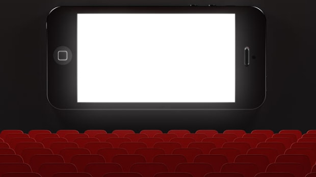 cellphone-movie-theater