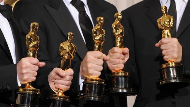 academy-award-statues