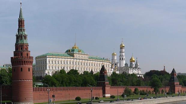 kremlin-moscow-river