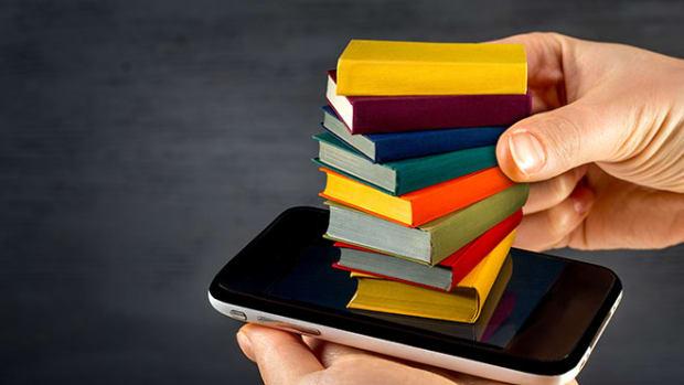 phone-reading