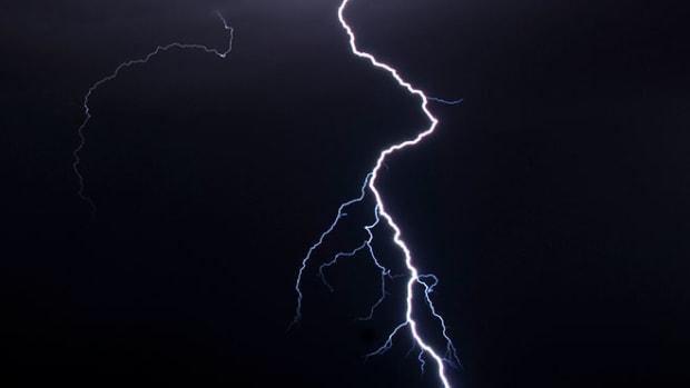 lightning-dark