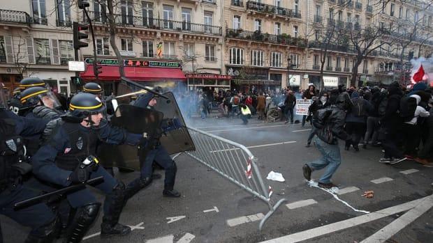 paris police protestors cop21