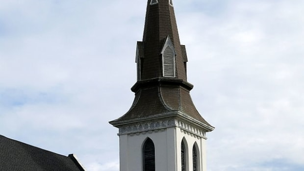 The_steeple_of_Emanuel_African_Methodist_Church,_Charleston,_SC.jpg