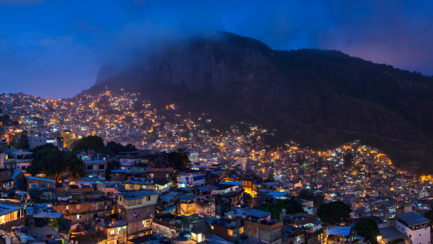 1_rocinha_night_2014_panorama.jpg