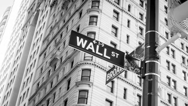 wall-street.jpg