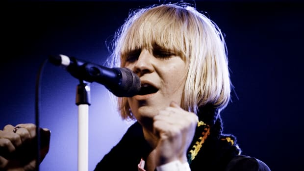 Sia performing at South by Southwest in 2008.