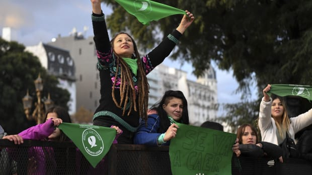 Pro-choice activists demonstrate outside the Argentine Congress in Buenos Aires, on June 13th, 2018, calling for the approval of a bill that would legalize abortion. Lawmakers in traditionally conservative Argentina began a key session on Wednesday ahead of a divisive vote.