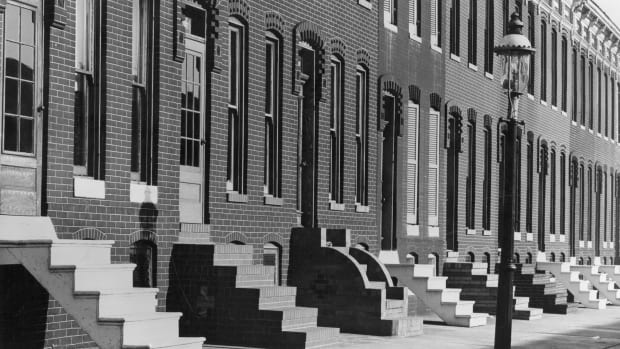 A row of terraced houses in Baltimore, Maryland, circa 1948.