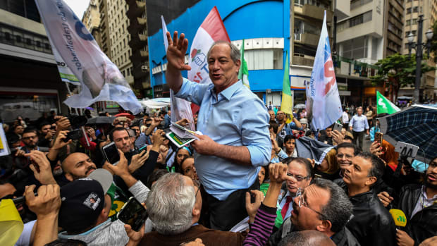 Brazilian presidential candidate for the Democratic Labour Party, Ciro Gomes, campaigns in downtown Sao Paulo, Brazil, on September 4th, 2018, ahead of the October 7th national election.