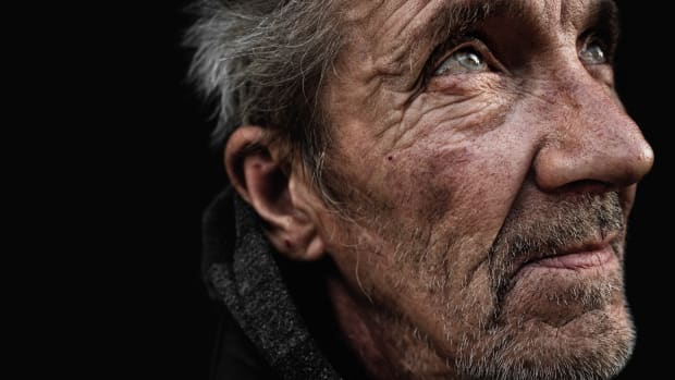 features-elderly-homeless-04