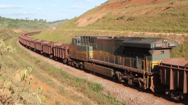 The 554-mile Carajás railroad that annually hauls 120 million tons of iron ore from the huge Carajás iron mine in Pará state to the port of Ponta da Madeira in Maranhão state.