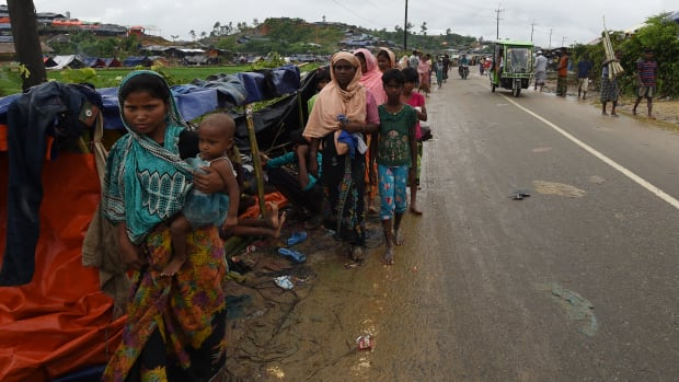 Rohingya Muslim refugees camp on a road near the Bangladehsi district of Ukhia on September 19th, 2017.