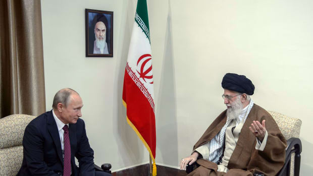Russian President Vladimir Putin meets with Iran's Supreme Leader Ayatollah Ali Khamenei in Tehran on November 1st, 2017