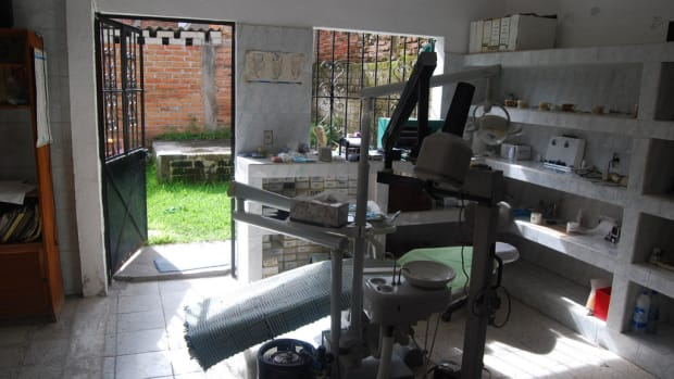 A local dental office in El Pitillal, Mexico.