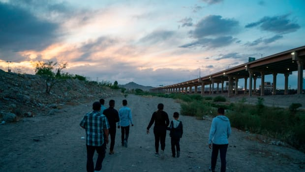 Immigrants attempt to enter the U.S. between Ciudad Juárez, Mexico, and El Paso, Texas, on April 29th, 2019.