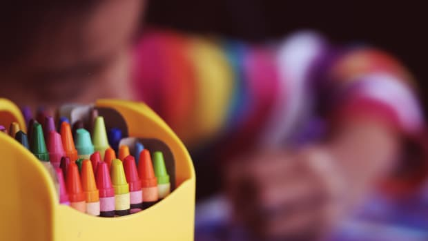 child kid crayon art classes education