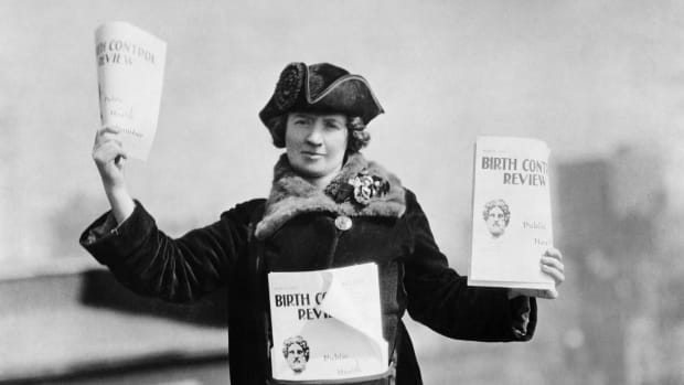 Kitty Marion with copies of The Birth Control Review in 1915.
