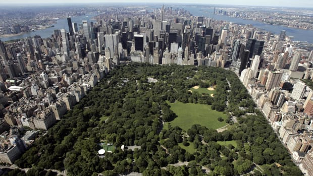 Aerial view of Manhattan looking south over Central Park.