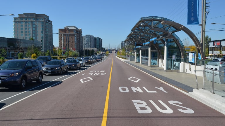 Could Designing a Better Bus Lane Be Done With a Simple Can of Paint?