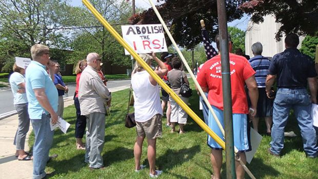 irs-protest