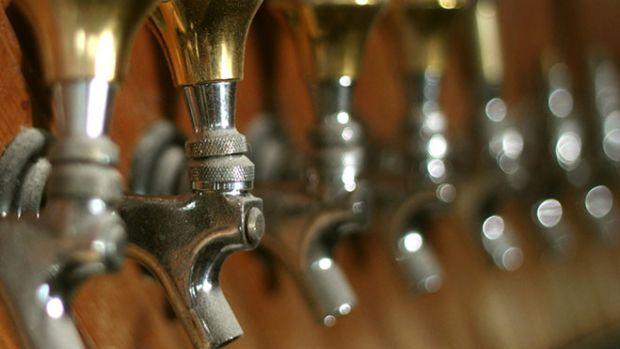 beer-taps