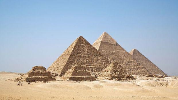 pyramids1.jpg