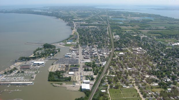 Downtown_Port_Clinton_from_the_air.jpg