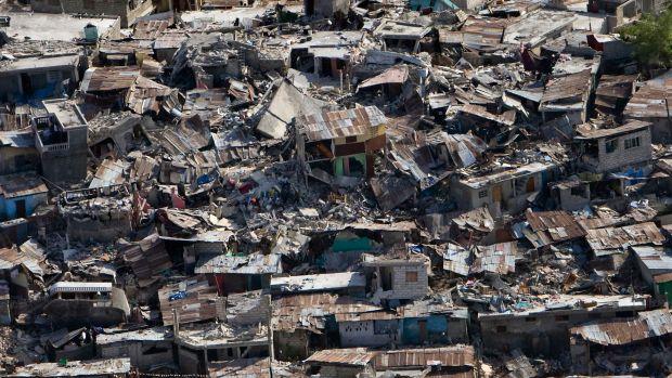Haiti_earthquake_damage.jpg