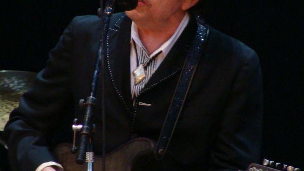 Bob_Dylan_-_Azkena_Rock_Festival_2010_2.jpg