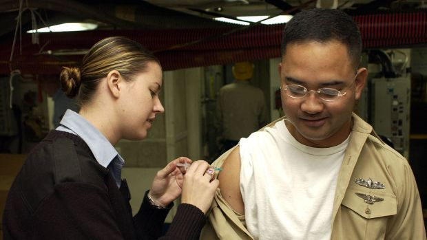 1200px-Vaccination_US_Navy.jpg