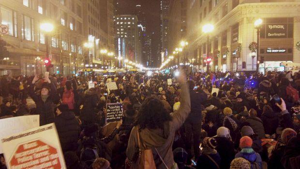 Eric_Garner_Protest_Chicago_Dec_4_2014.jpg
