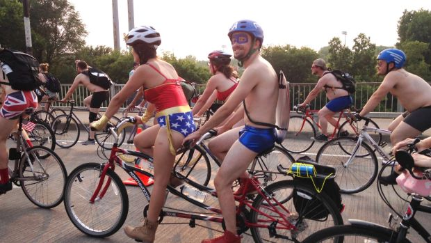 These patriotic Minnesotans are enjoying freedom from pants.
