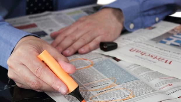 job-newspaper-searching