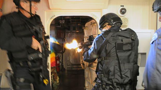 swat-team-raid