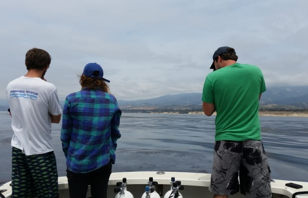 A Struggle to Check the Seafloor Around California's Oil Spill