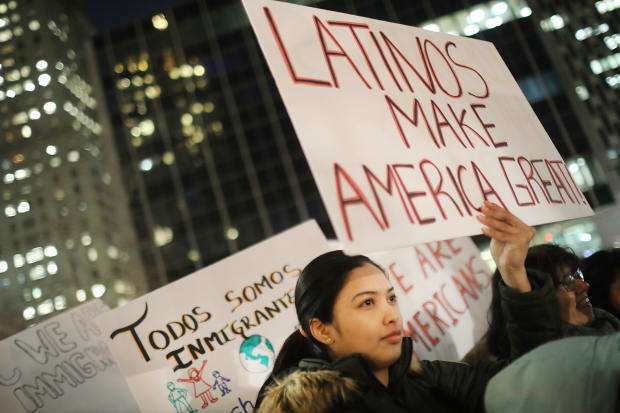 New Research Debunks the Myth That Mexican Immigrants Can't Assimilate