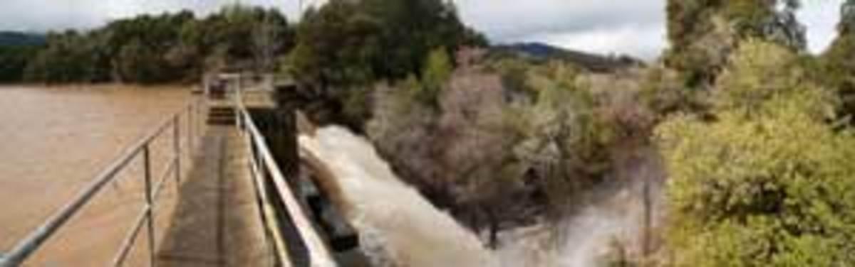 A panoramic photo of Searsville Dam in Jasper Ridge Biological Preserve, Portola Valley, Calif. Click to enlarge. (Courtesy Philippe Cohen, Jasper Ridge Biological Preserve, Stanford University)