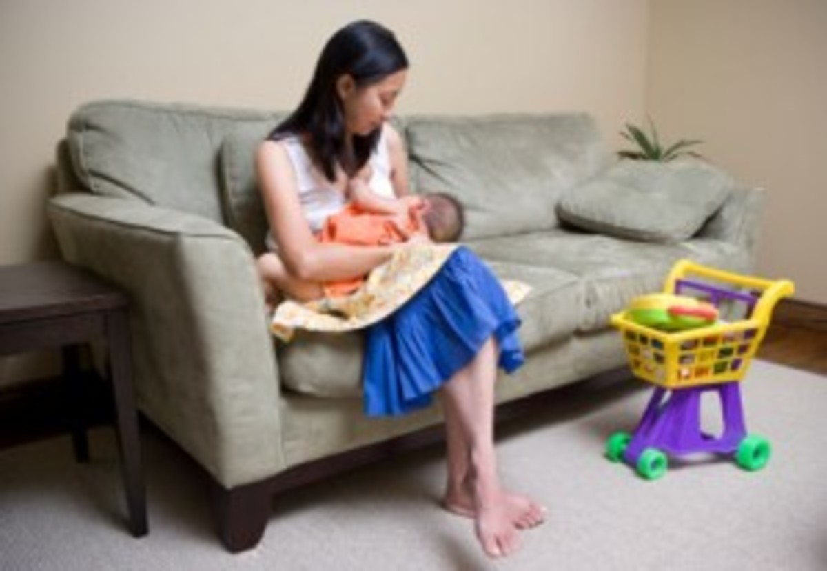 mmw_breastfeeding_032211-300x207