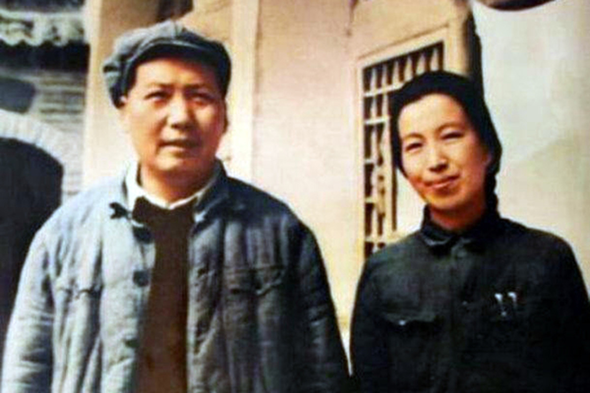 Mao Zedong and his fourth wife, Jiang Qing, in 1946. (PHOTO: PUBLIC DOMAIN)