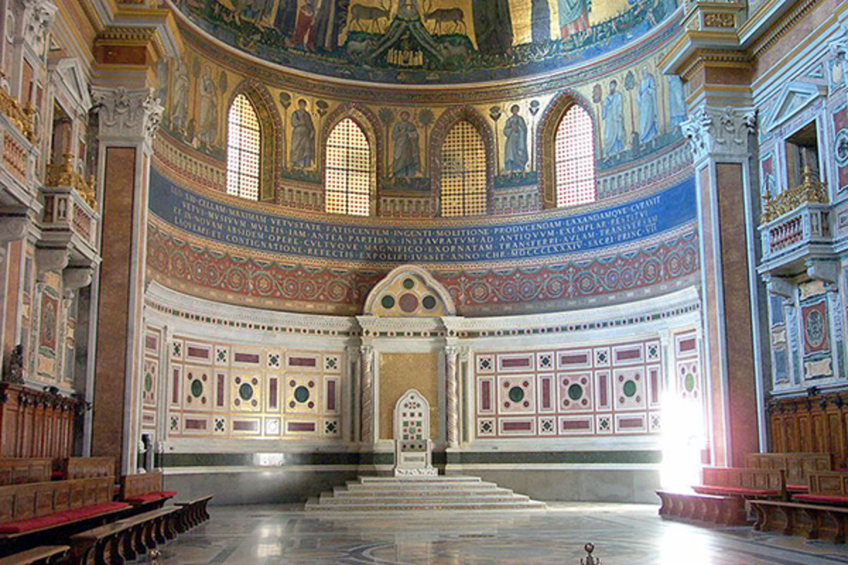 Pope's chair, Basilica di San Giovanni in Laterano, Roma, Italy. (PHOTO: ERN/WIKIMEDIA COMMONS)