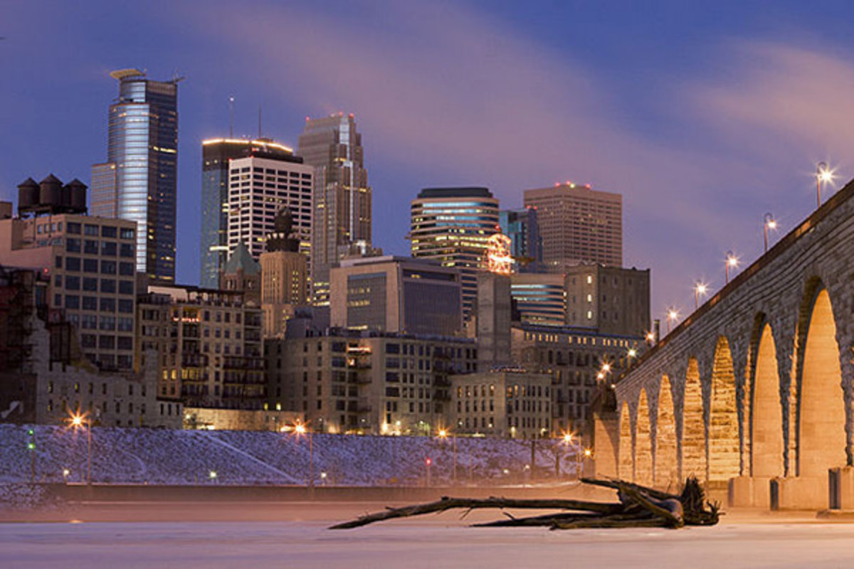 Downtown Minneapolis seen from the east end of the Stone Arch Bridge. (PHOTO: PUBLIC DOMAIN)