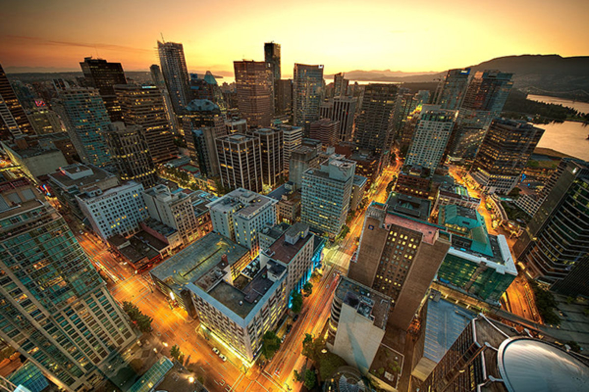 Downtown Vancouver as seen from the Harbour Centre. (PHOTO: MAGNUSL3D/WIKIMEDIA COMMONS)