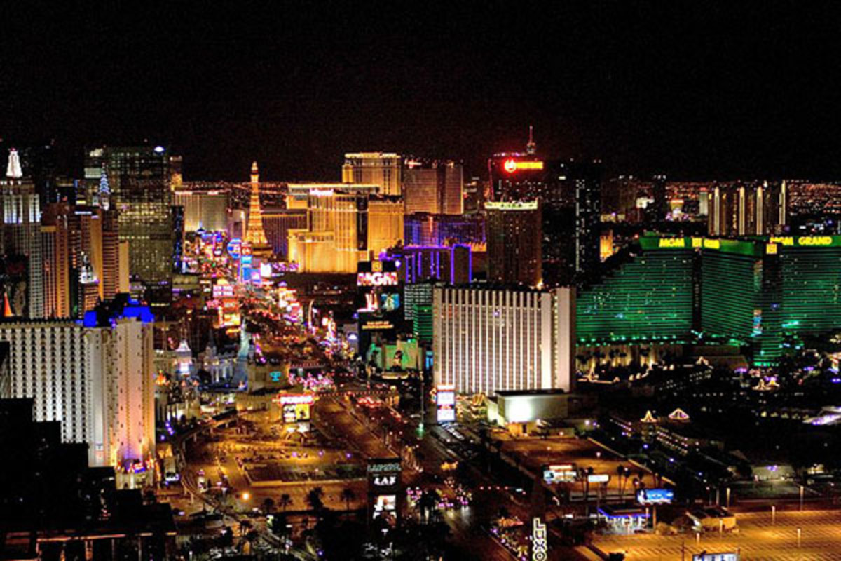 The Las Vegas Strip in late 2009. (PHOTO: LASVEGASLOVER/WIKIMEDIA COMMONS)