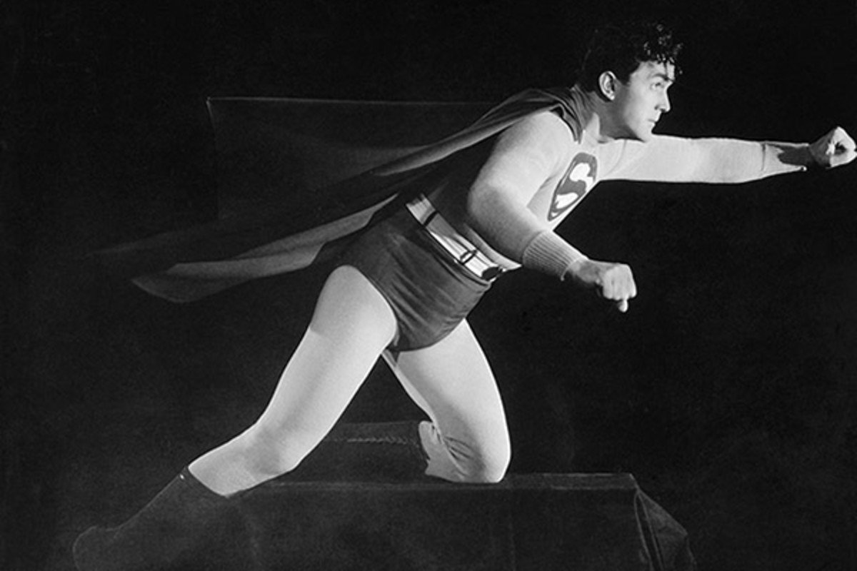Kirk Alyn as Superman, 1948. (PHOTO: CREATIVE COMMONS)
